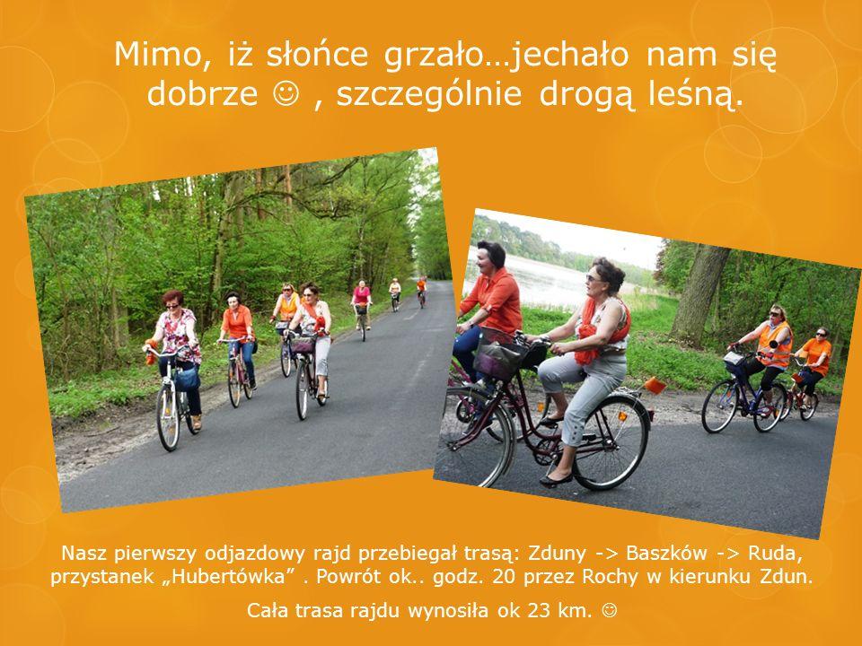 Wśród rajdowiczów nie zabrakło rowerzystów ze szkolnego koła PTTK,pod opieką czytelniczki – nauczycielki, Zofii Wiatrak