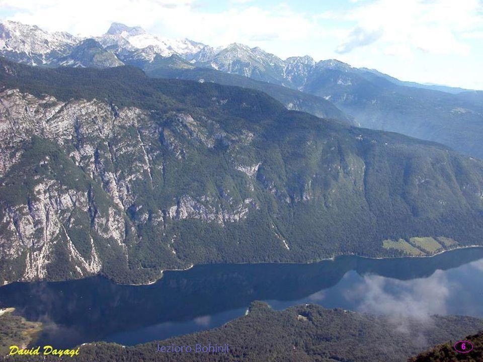Bohinj - u podnóża Alp Julijskich Dolina Bohinj to malownicza część Słowenii, położona w regionie Gorenjska, której sercem jest polodowcowe jezioro. B
