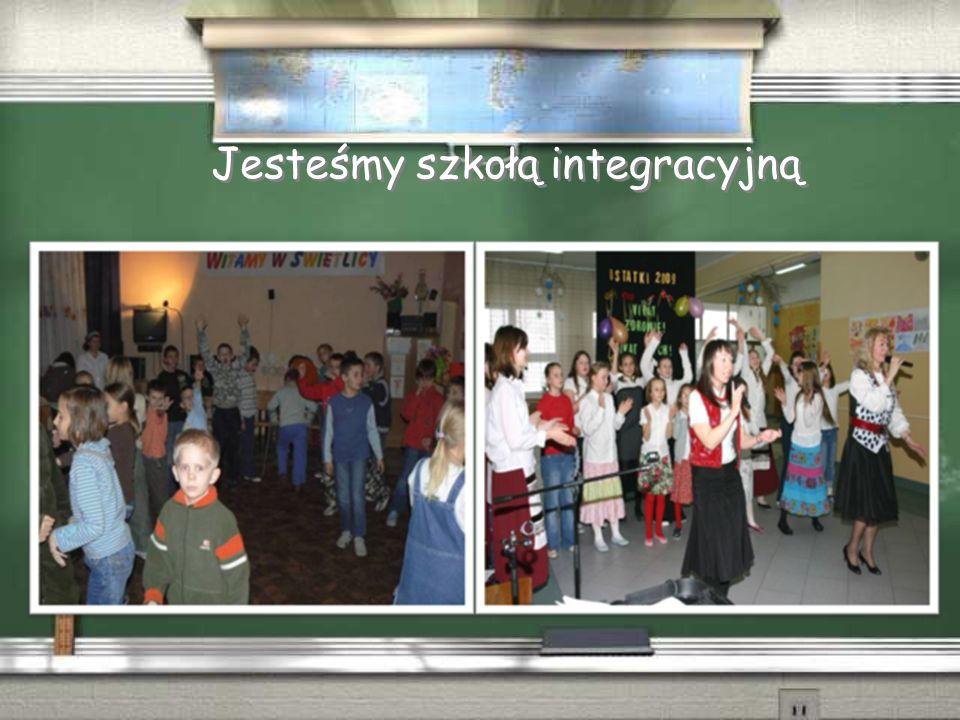 W ramach rządowego programu Radosna Szkoła  Wewnętrzny plac zabaw