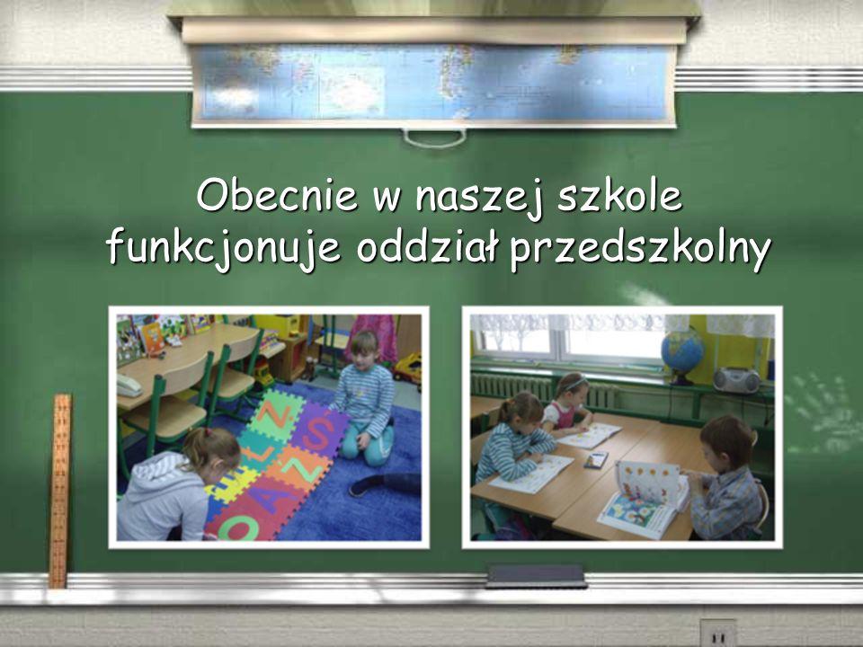 Do dyspozycji uczniów pozostaje biblioteka szkolna wraz z czytelnią.