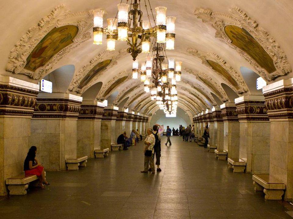 Metro moskiewskie w liczbach Metro moskiewskie jest jednym z największych na świecie.