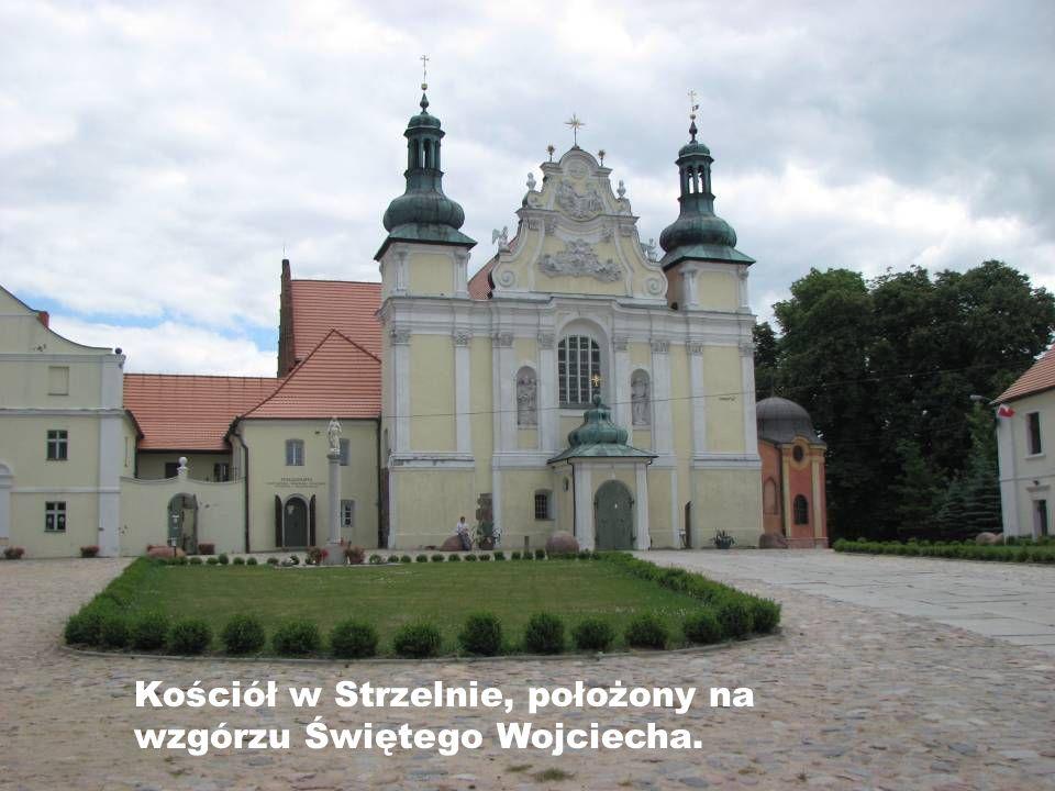Kościół w Strzelnie, położony na wzgórzu Świętego Wojciecha.
