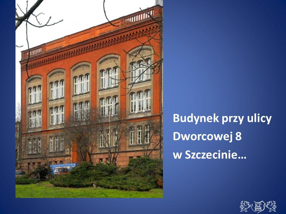 Budynek przy ulicy Dworcowej 8 w Szczecinie…