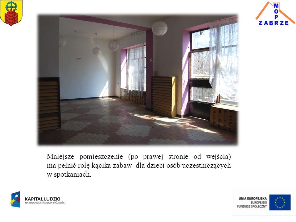 Mniejsze pomieszczenie (po prawej stronie od wejścia) ma pełnić rolę kącika zabaw dla dzieci osób uczestniczących w spotkaniach.