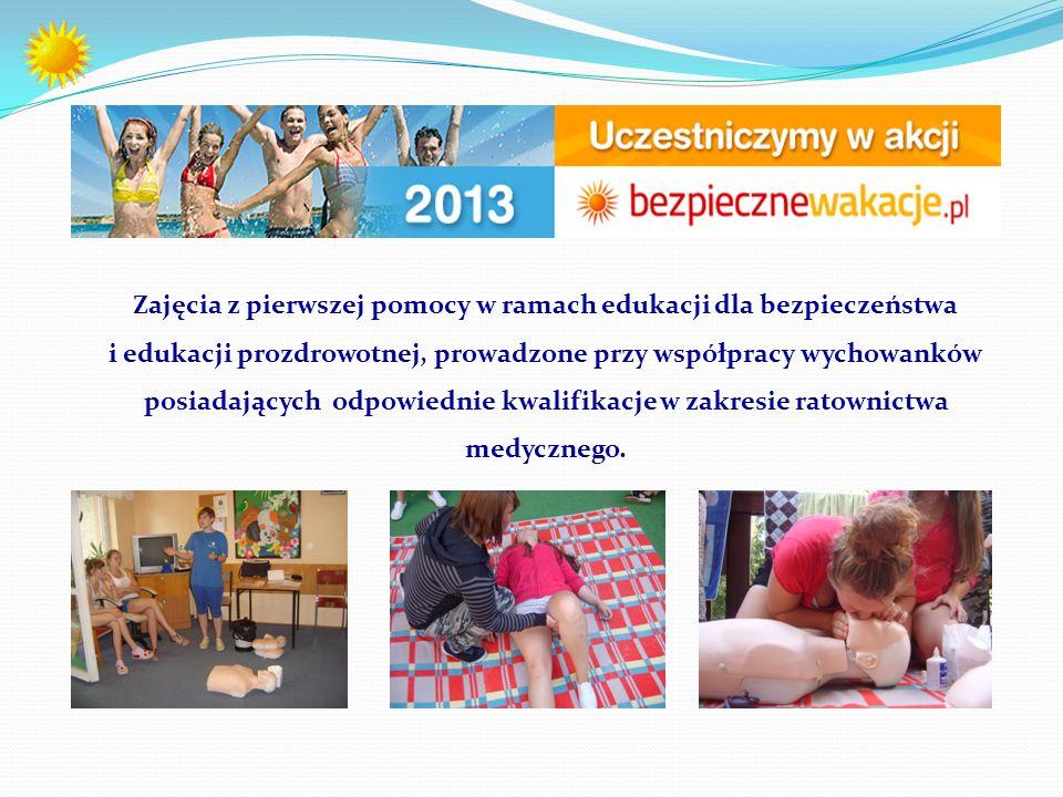 Zajęcia z pierwszej pomocy w ramach edukacji dla bezpieczeństwa i edukacji prozdrowotnej, prowadzone przy współpracy wychowanków posiadających odpowiednie kwalifikacje w zakresie ratownictwa medycznego.