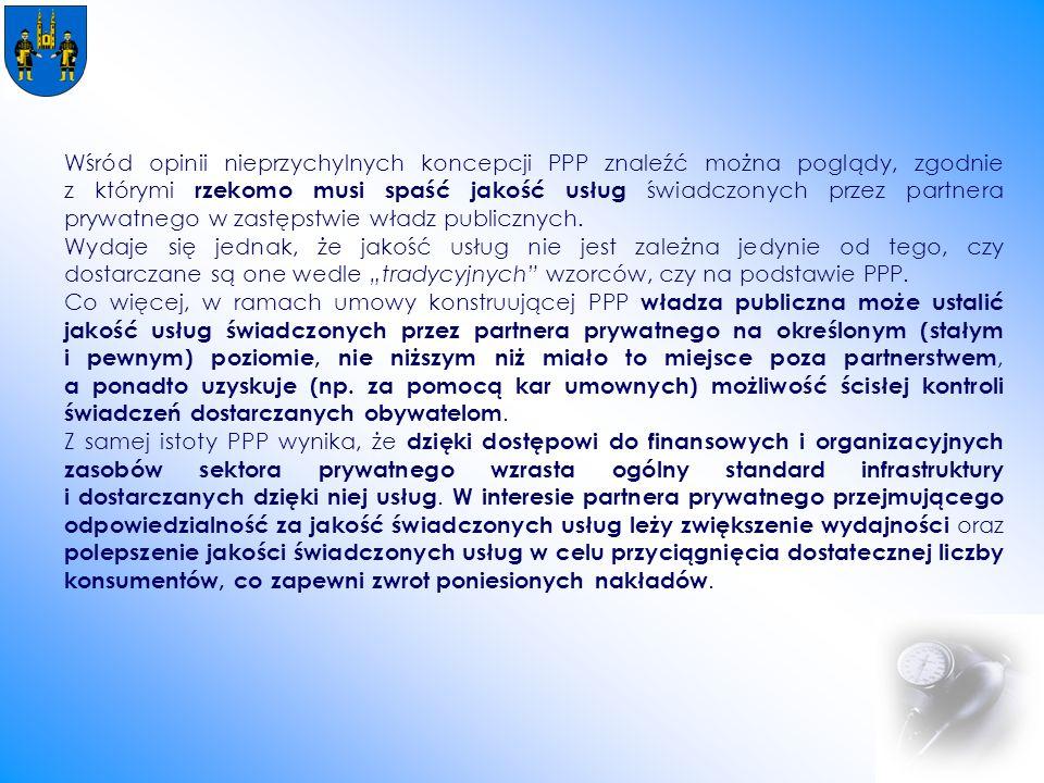 Wśród opinii nieprzychylnych koncepcji PPP znaleźć można poglądy, zgodnie z którymi rzekomo musi spaść jakość usług świadczonych przez partnera prywatnego w zastępstwie władz publicznych.
