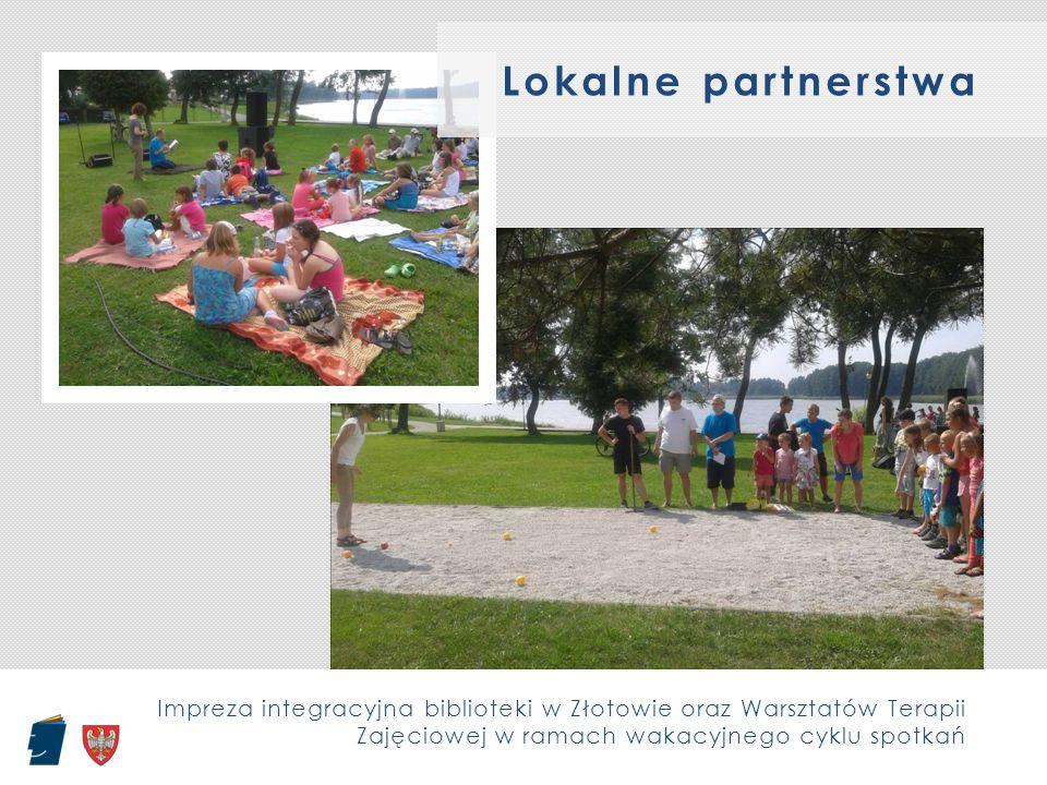 Impreza integracyjna biblioteki w Złotowie oraz Warsztatów Terapii Zajęciowej w ramach wakacyjnego cyklu spotkań Lokalne partnerstwa