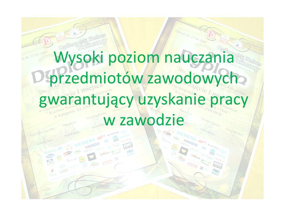 Współpracujemy z różnymi organizacjami na terenie Łodzi przeprowadzając szkolenia, prezentacje, wystawy.