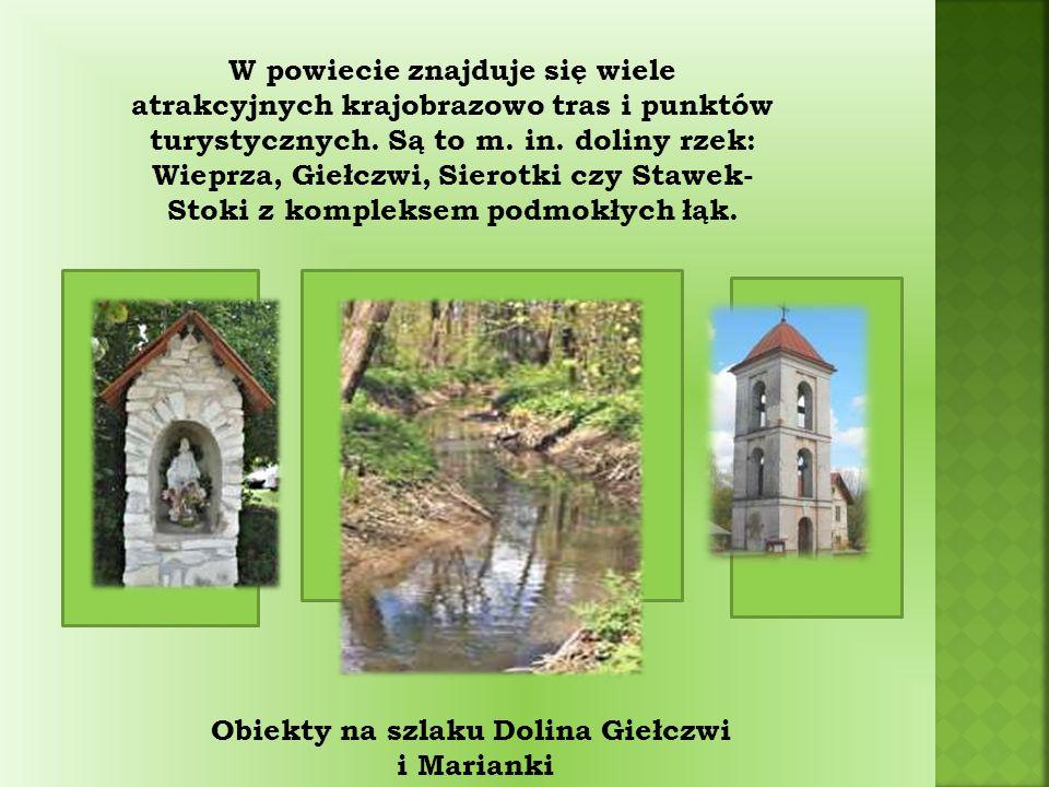 W powiecie znajduje się wiele atrakcyjnych krajobrazowo tras i punktów turystycznych.