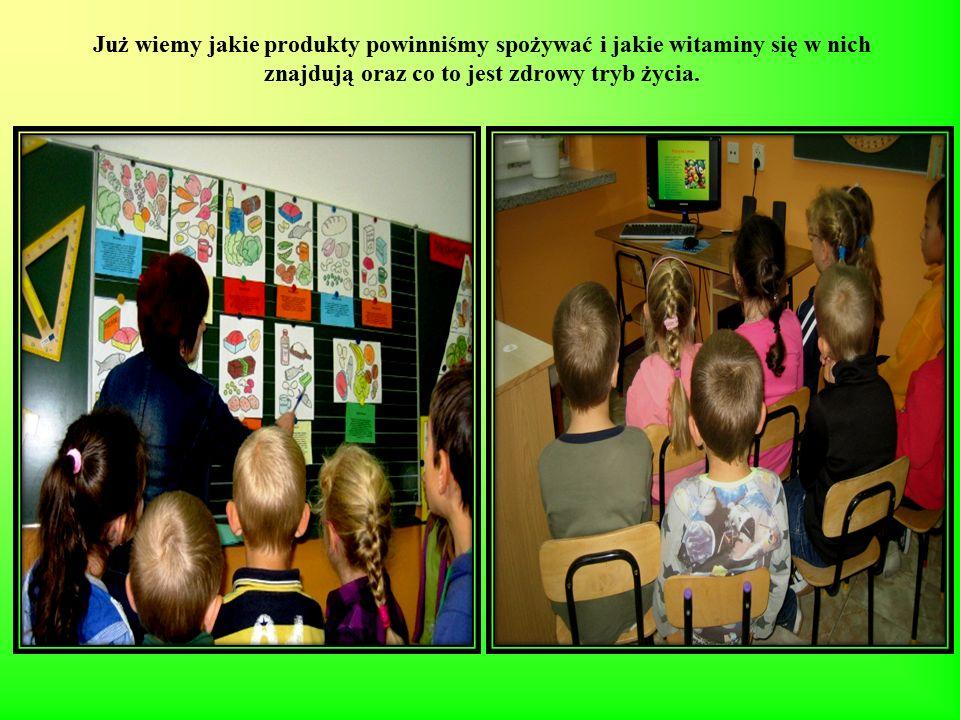 Pięć kolorów naszej zdrowej diety Pani dała nam obrazki różnych warzyw, owoców, które układaliśmy i przyklejaliśmy na odpowiednich koszyczkach.