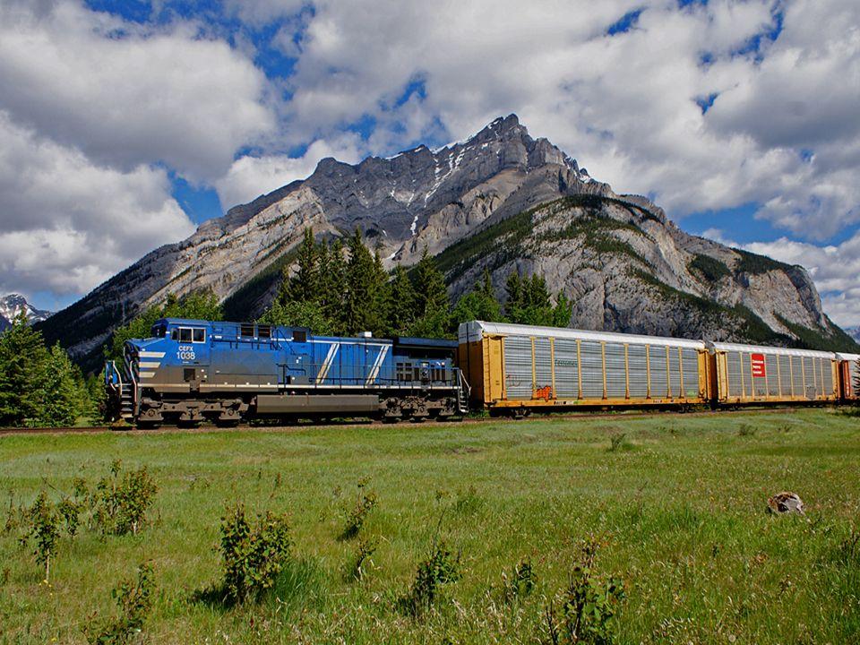 Canadian Pacific Railway, najstarsza transkontynentalna linia kolejowa w Kanadzie, łącząca miasta Saint John, port nad Oceanem Atlantyckim, przez Montreal,Winninpeg, Reginę i Calgary z Vancouver na wybrzeżu Oceanu Spokojnego.