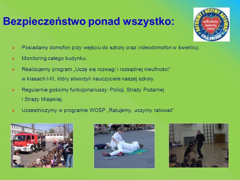 Delegacje uczniów biorą udział w uroczystościach państwowych i patriotycznych W szkole prężnie działa Samorząd Uczniowski, który jest inicjatorem wielu akcji charytatywnych, organizatorem imprez i uroczystości szkolnych.
