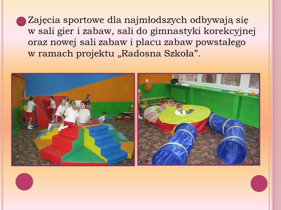 Zajęcia sportowe dla najmłodszych odbywają się w sali gier i zabaw, sali do gimnastyki korekcyjnej oraz nowej sali zabaw i placu zabaw powstałego w ra