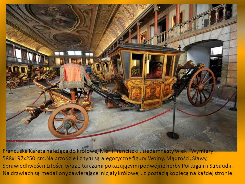 Na pierwszym planie osiemnastowieczna berlinka Królowej Marii,pojazd ceremonialny.
