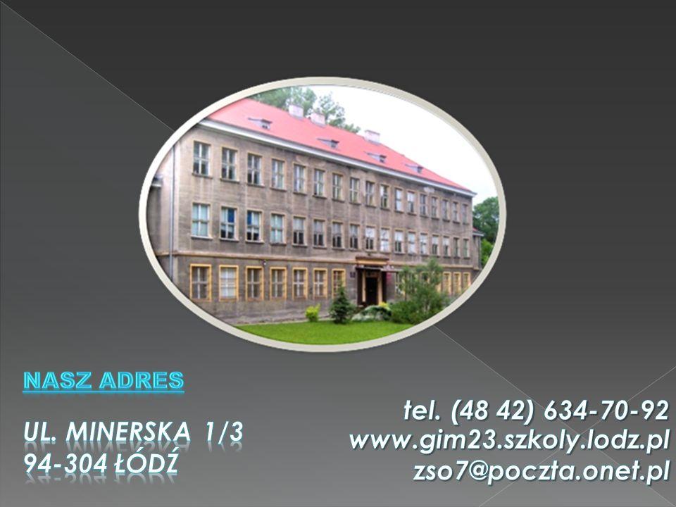 - Bibliotekę - Stołówkę - Sklepik - Pełnowymiarowe boisko - Salę gimnastyczną - Stały dostęp do internetu