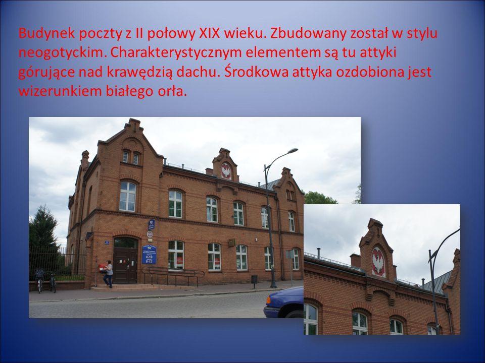 Budynek poczty z II połowy XIX wieku. Zbudowany został w stylu neogotyckim.