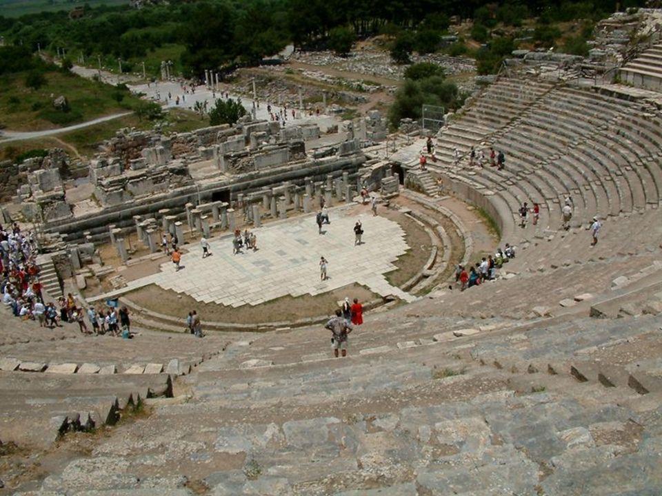 Schemat teatru greckiego: 1.widownia; 2. orchestra (placyk, na którym występował chór); 3.