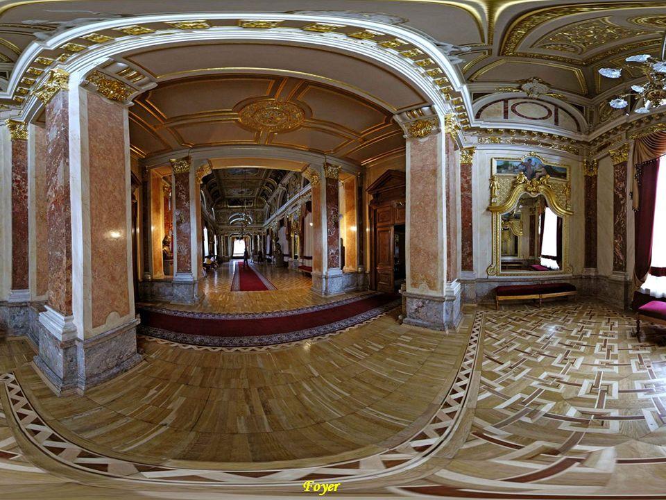 DA - MA Foyer