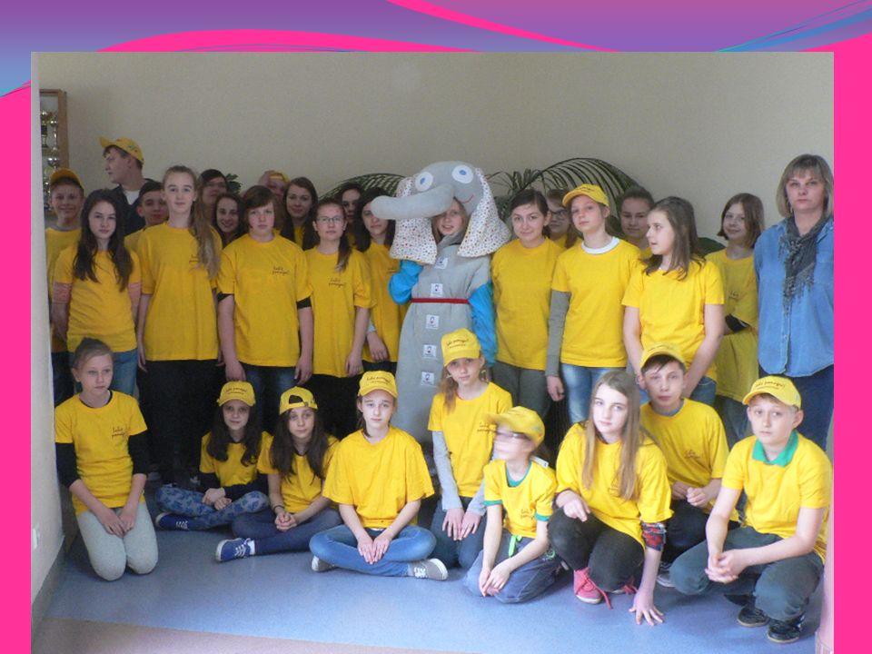 Następną akcją promującą wolontariat był ogłoszony i przeprowadzony w miesiącu kwietniu konkurs plastyczny,,Dzieci kochają słonie, słonie kochają dzieci wyłoniono 13 finalistów z naszej szkoły, którym wręczono nagrody 27.05.2015 r w kinie Polonez w Skierniewicach.