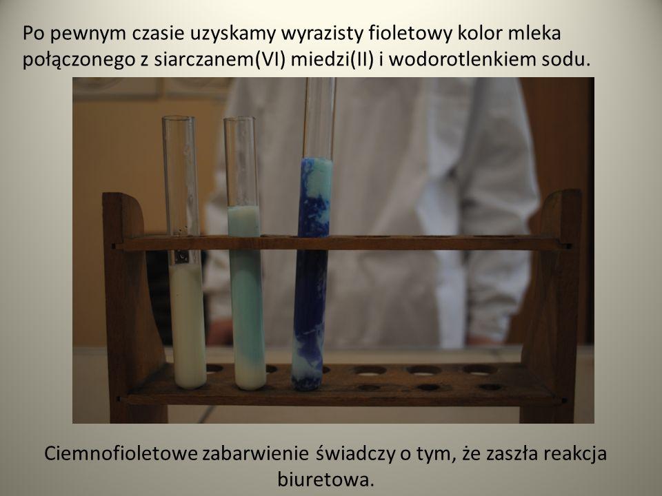 REAKCJA KSANTOPROTEINOWA Reakcja charakterystyczna białek zawierających aminokwasy z pierścieniami aromatycznymi ze stężonym kwasem azotowym.