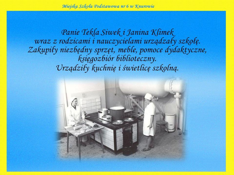 Panie Tekla Siwek i Janina Klimek wraz z rodzicami i nauczycielami urządzały szkołę.