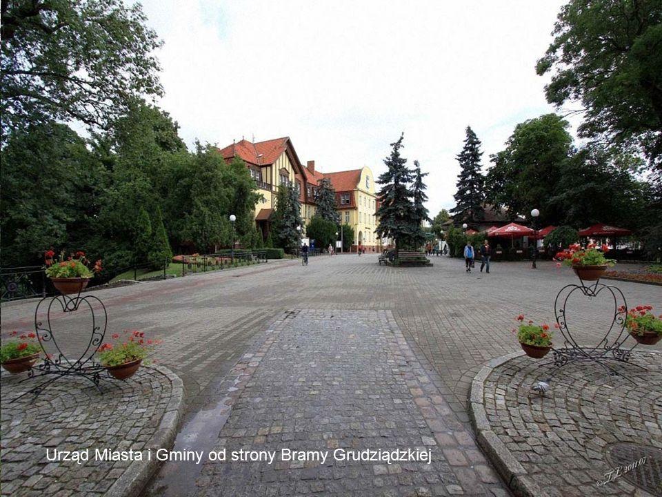 Brama Grudziądzka Urząd Miasta i Gminy od strony Bramy Grudziądzkiej