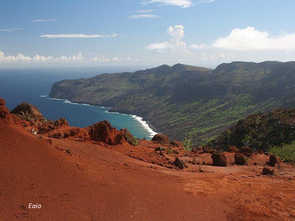 Eaio – niezamieszkana wyspa w archipelagu Markizów. Jej powierzchnia wynosi 43,8 km².