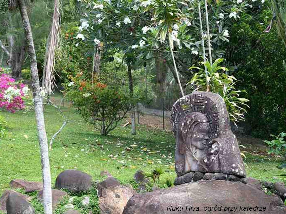 Nuku Hiva, ogród przy katedrze
