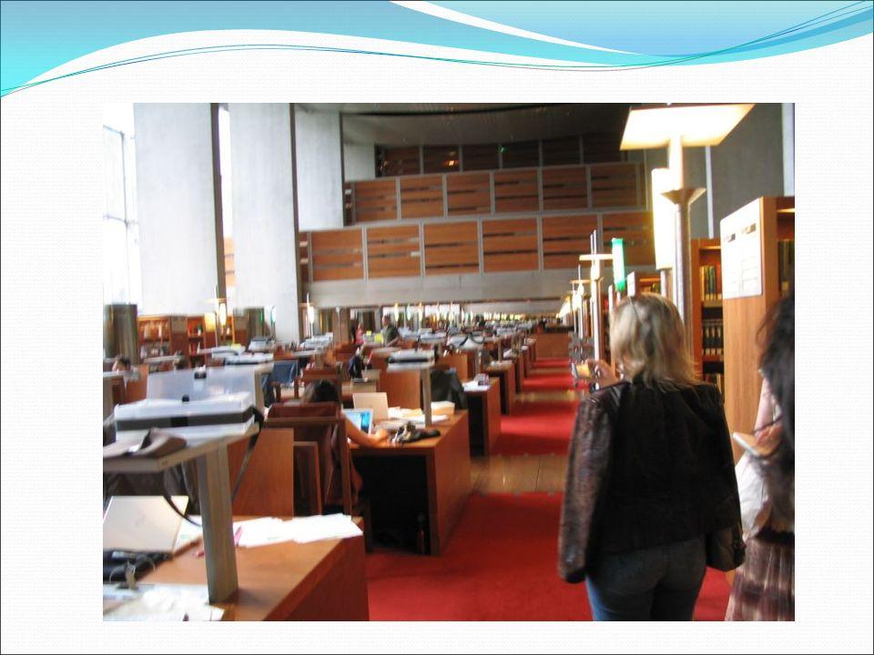 Biblioteki XXI w. przyciągają nowoczesnym wyposażeniem