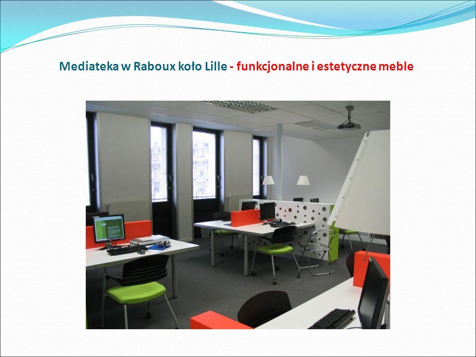 Mediateka w Raboux koło Lille - funkcjonalne i estetyczne meble