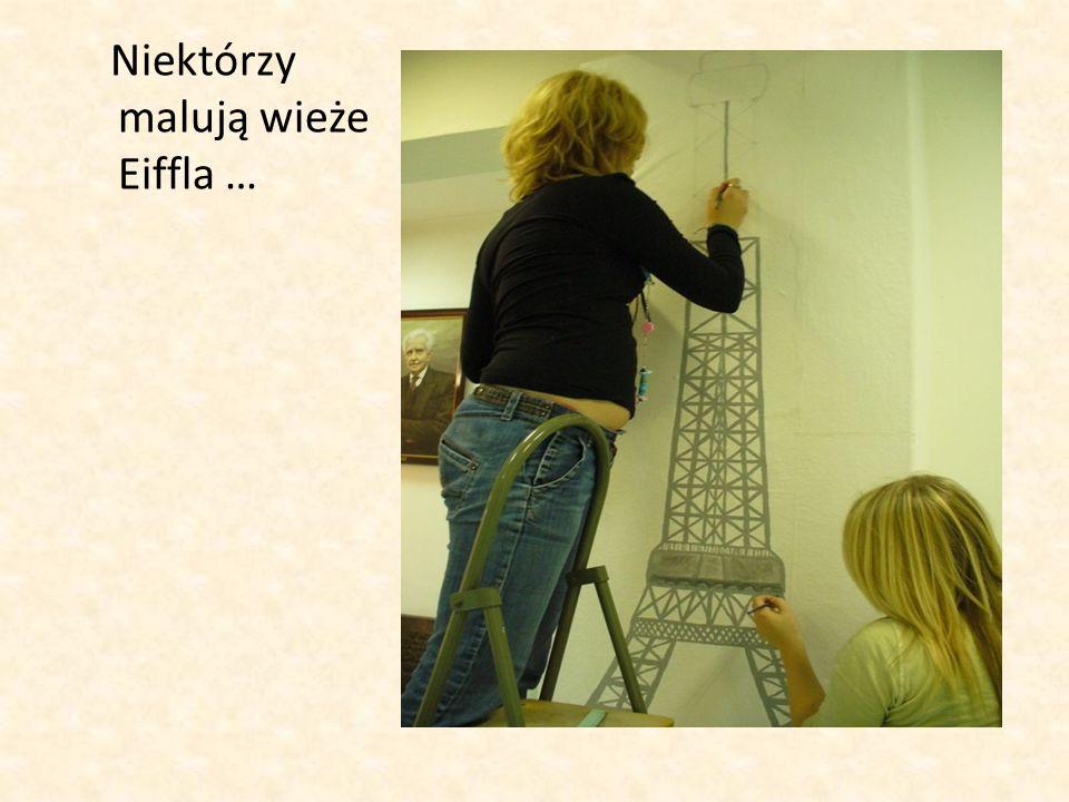 Niektórzy malują wieże Eiffla …