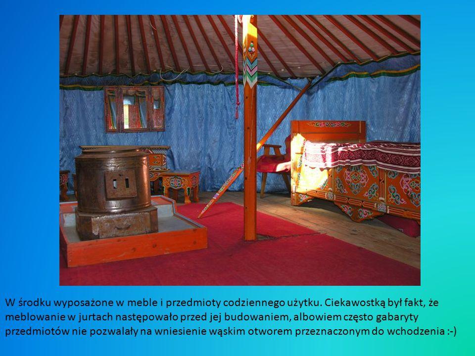 Na koniec warto zaglądnąć do jurty, namiotu ludów koczowniczych, a takimi byli również i Tatarzy.