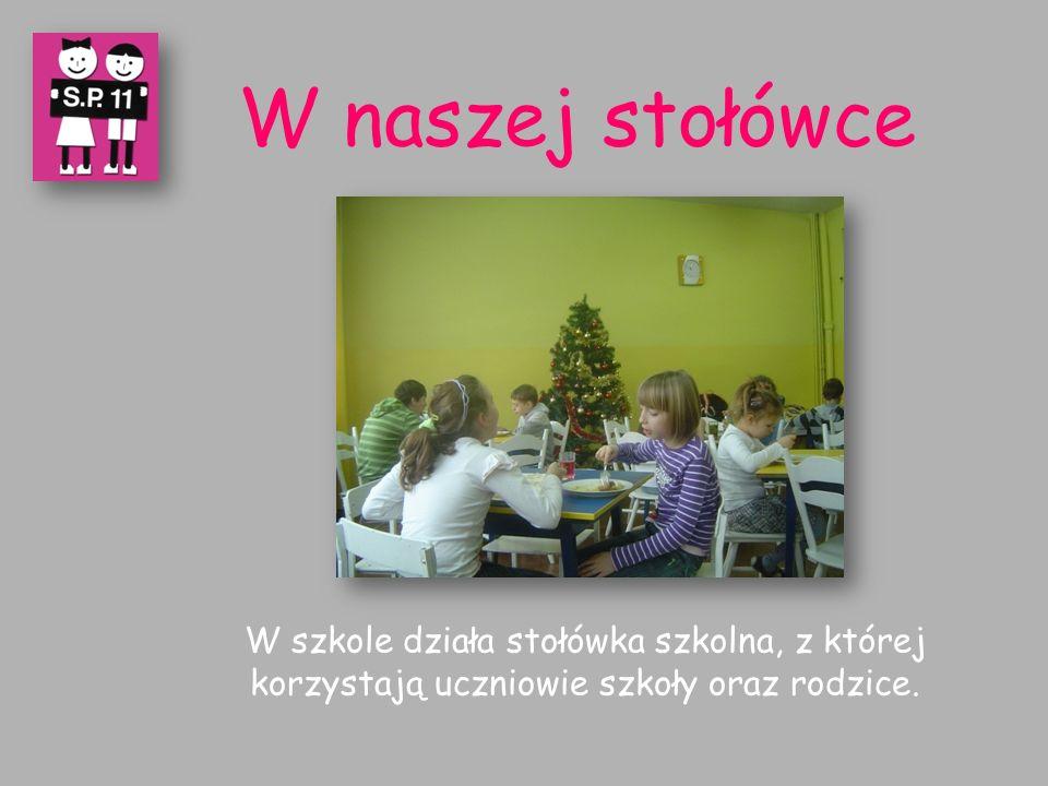 W naszej stołówce W szkole działa stołówka szkolna, z której korzystają uczniowie szkoły oraz rodzice.