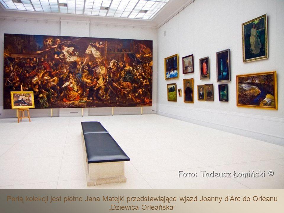 Eksponowane są płótna najwybitniejszych malarzy polskich S.Wyspiańskiego, J.Fałata, J.Malczewskiego, O.Boznańskiej, L.Wyczółkowskiego oraz artystów zagranicznych,