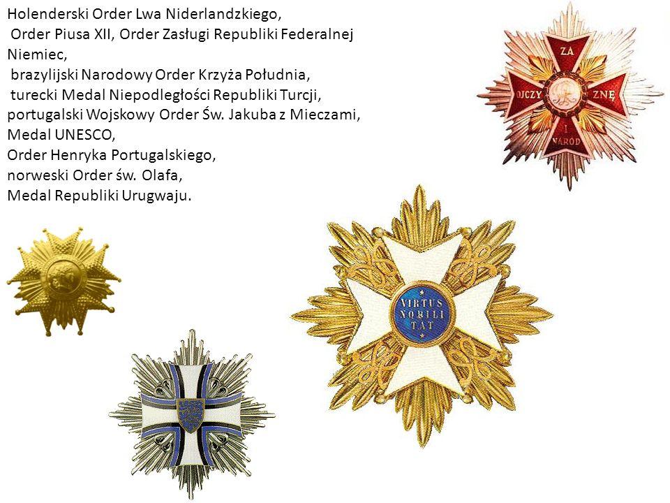 Holenderski Order Lwa Niderlandzkiego, Order Piusa XII, Order Zasługi Republiki Federalnej Niemiec, brazylijski Narodowy Order Krzyża Południa, turecki Medal Niepodległości Republiki Turcji, portugalski Wojskowy Order Św.