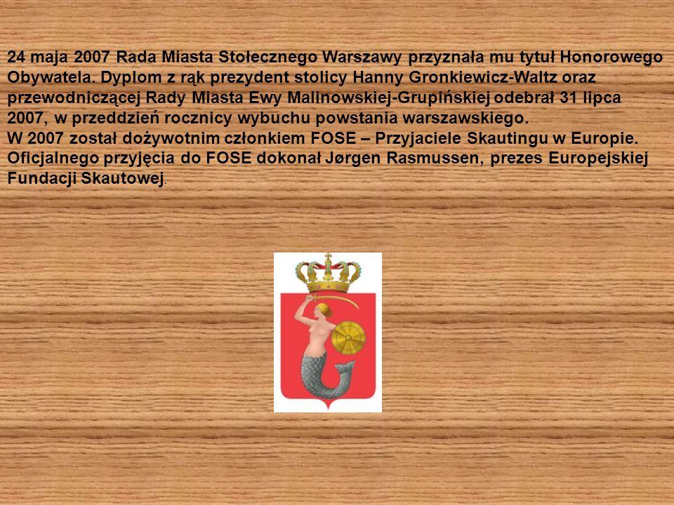 24 maja 2007 Rada Miasta Stołecznego Warszawy przyznała mu tytuł Honorowego Obywatela.
