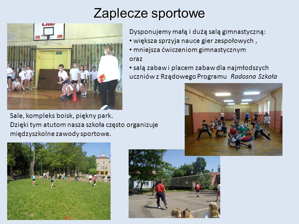 Zaplecze sportowe Dysponujemy małą i dużą salą gimnastyczną: większa sprzyja nauce gier zespołowych, mniejsza ćwiczeniom gimnastycznym oraz salą zabaw i placem zabaw dla najmłodszych uczniów z Rządowego Programu Radosna Szkoła Sale, kompleks boisk, piękny park.