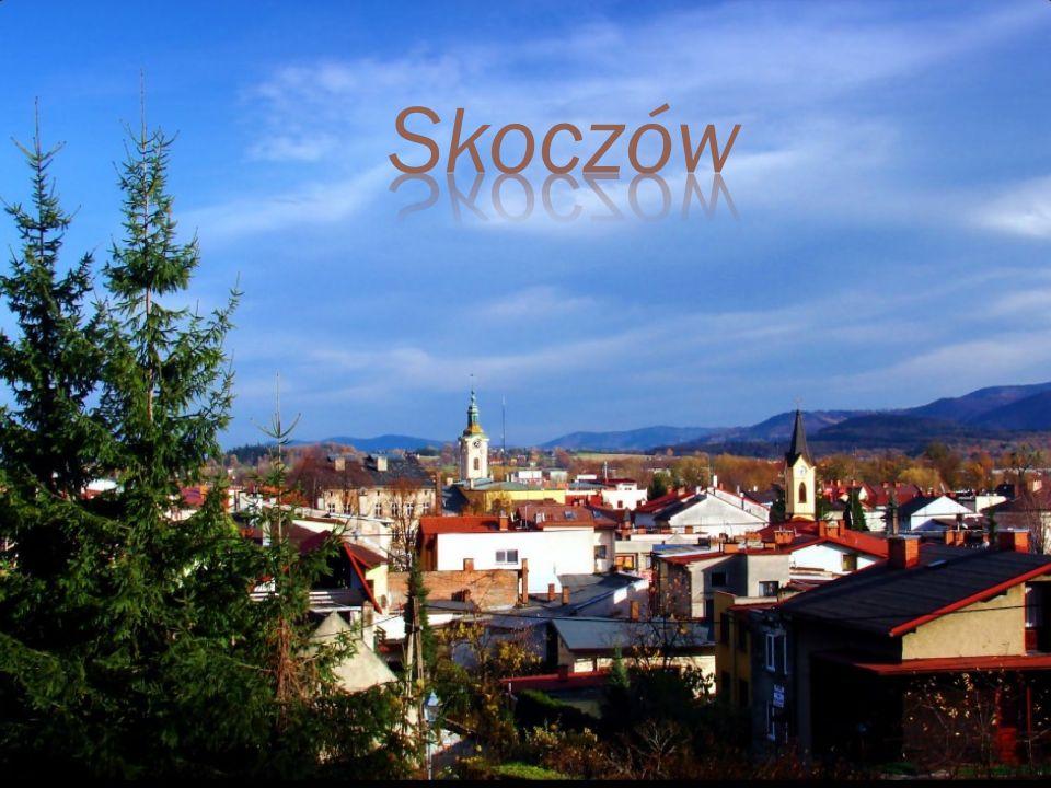 Miasto w województwie śląskim, w powiecie cieszyńskim, siedziba gminy miejsko-wiejskiej Skoczów. Leży w historycznych granicach regionu Śląska Cieszyń
