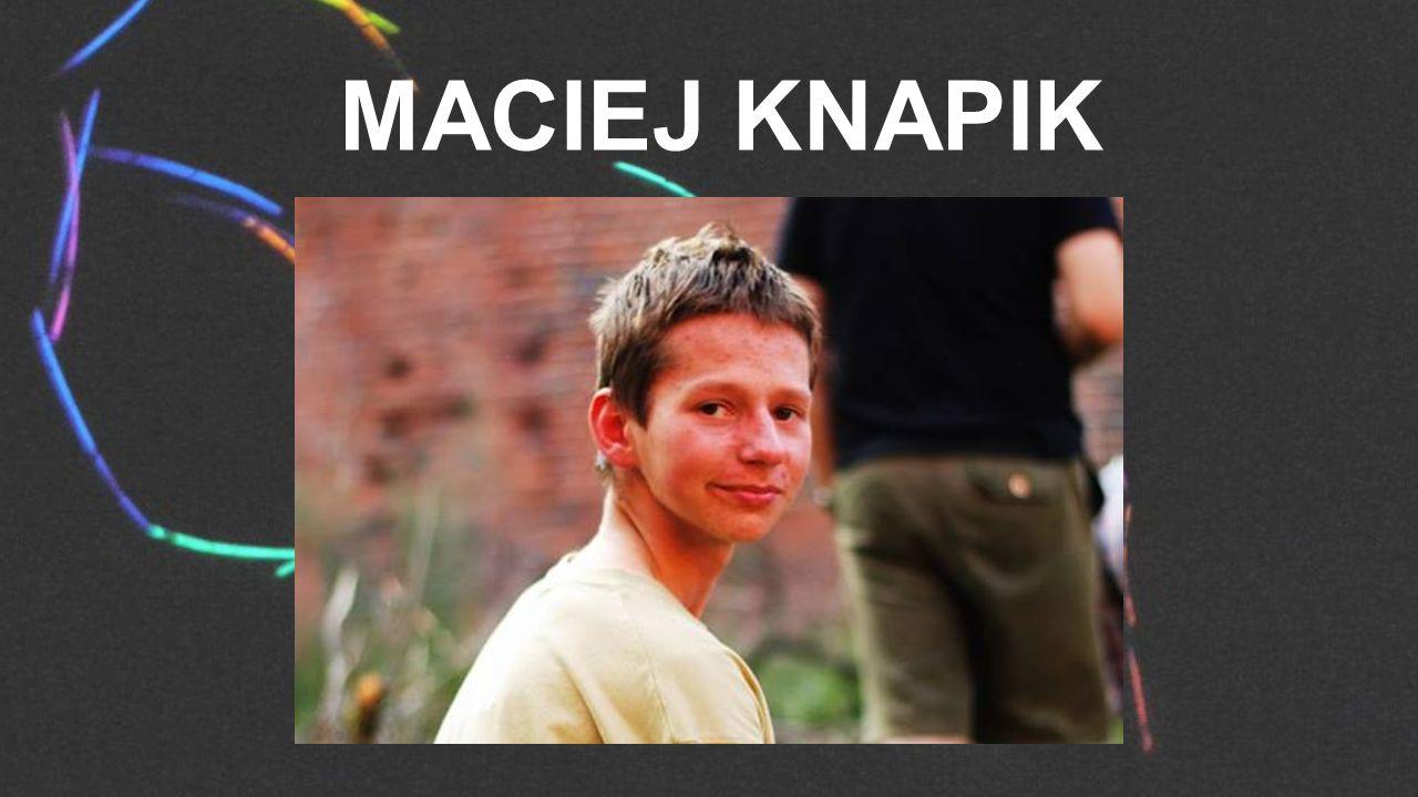 MACIEJ KNAPIK
