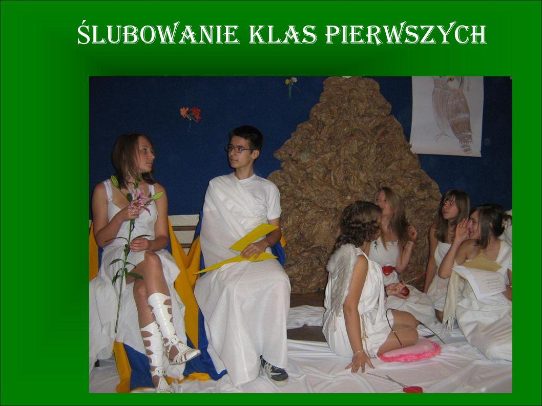 Ż YCIE SZKO Ł Y W FOTOGRAFICZNYM SKRÓCIE