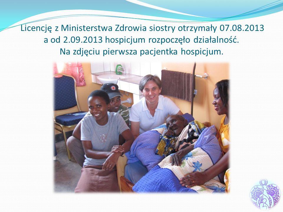 Licencję z Ministerstwa Zdrowia siostry otrzymały 07.08.2013 a od 2.09.2013 hospicjum rozpoczęło działalność. Na zdjęciu pierwsza pacjentka hospicjum.