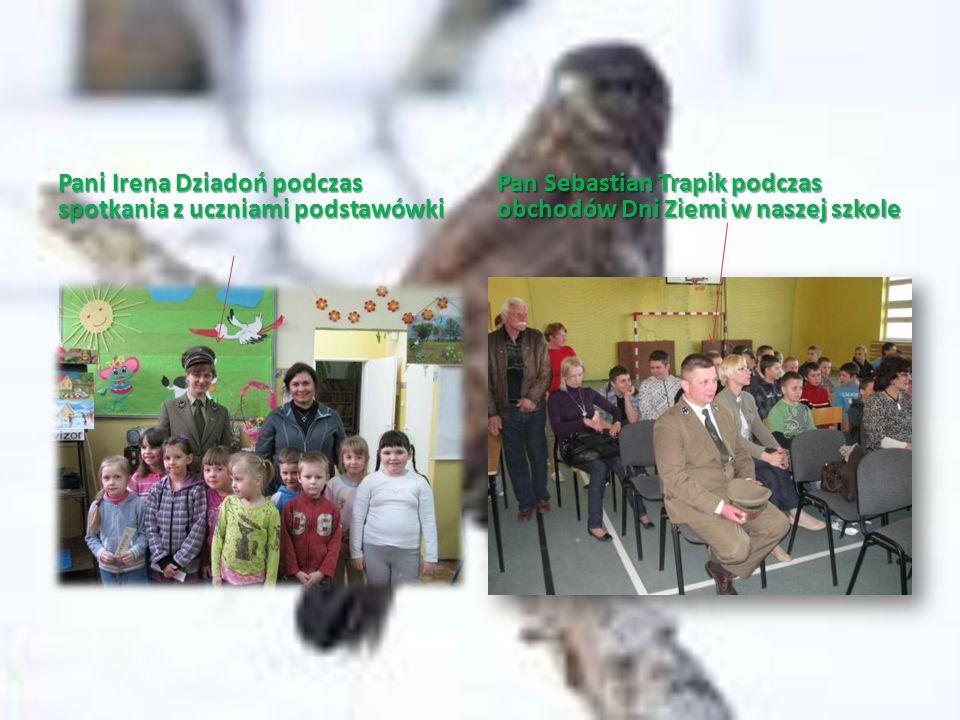 Pani Irena Dziadoń podczas spotkania z uczniami podstawówki Pan Sebastian Trapik podczas obchodów Dni Ziemi w naszej szkole