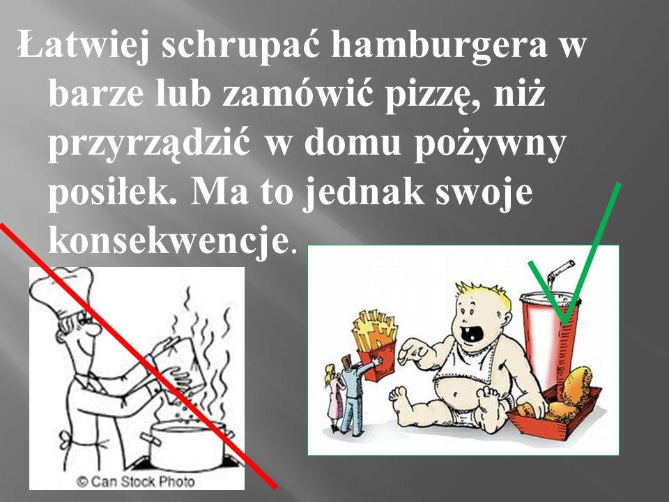 Śmieciowe jedzenie to min. : -chipsy -pizza -cola -lizaki -hamburgery -żelki -batony -popcorn -prażynki -np. czekoladowe płatki śniadaniowe -słone orz