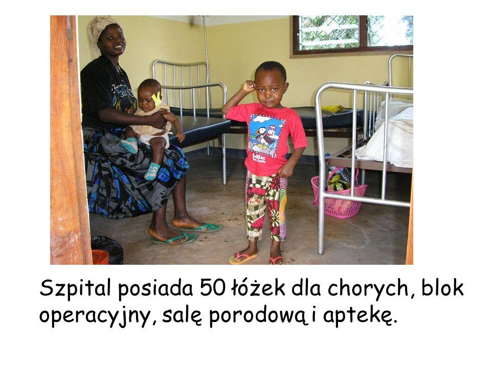 Szpital posiada 50 łóżek dla chorych, blok operacyjny, salę porodową i aptekę.
