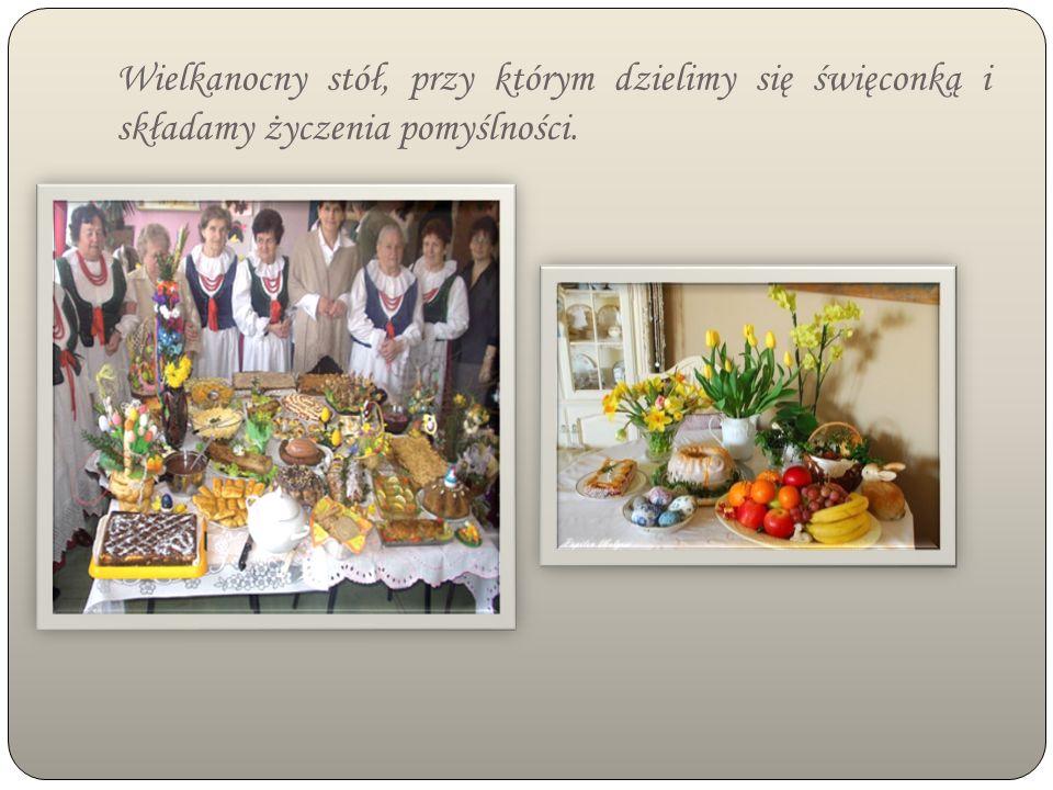 Wielkanocny stół, przy którym dzielimy się święconką i składamy życzenia pomyślności.