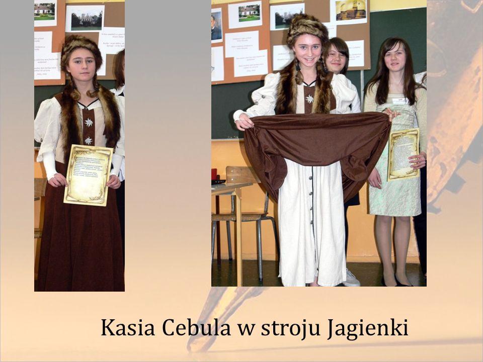 Kasia Cebula w stroju Jagienki