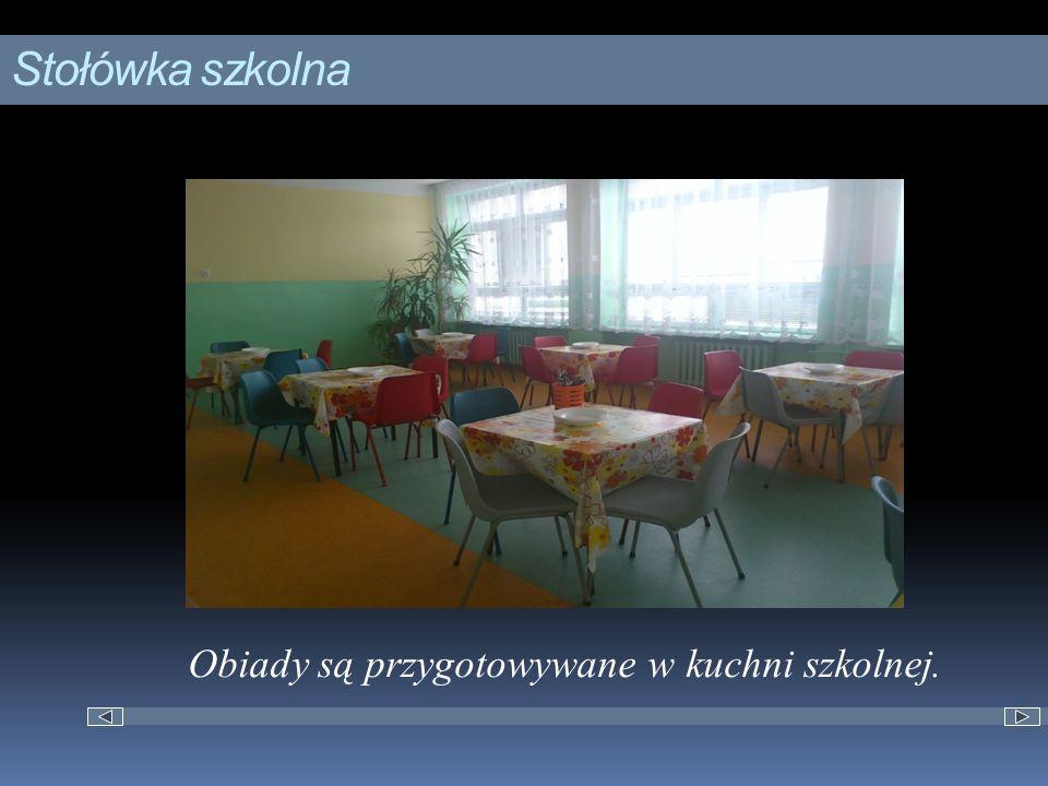 Stołówka szkolna Obiady są przygotowywane w kuchni szkolnej.