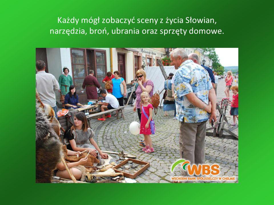 Każdy mógł zobaczyć sceny z życia Słowian, narzędzia, broń, ubrania oraz sprzęty domowe.