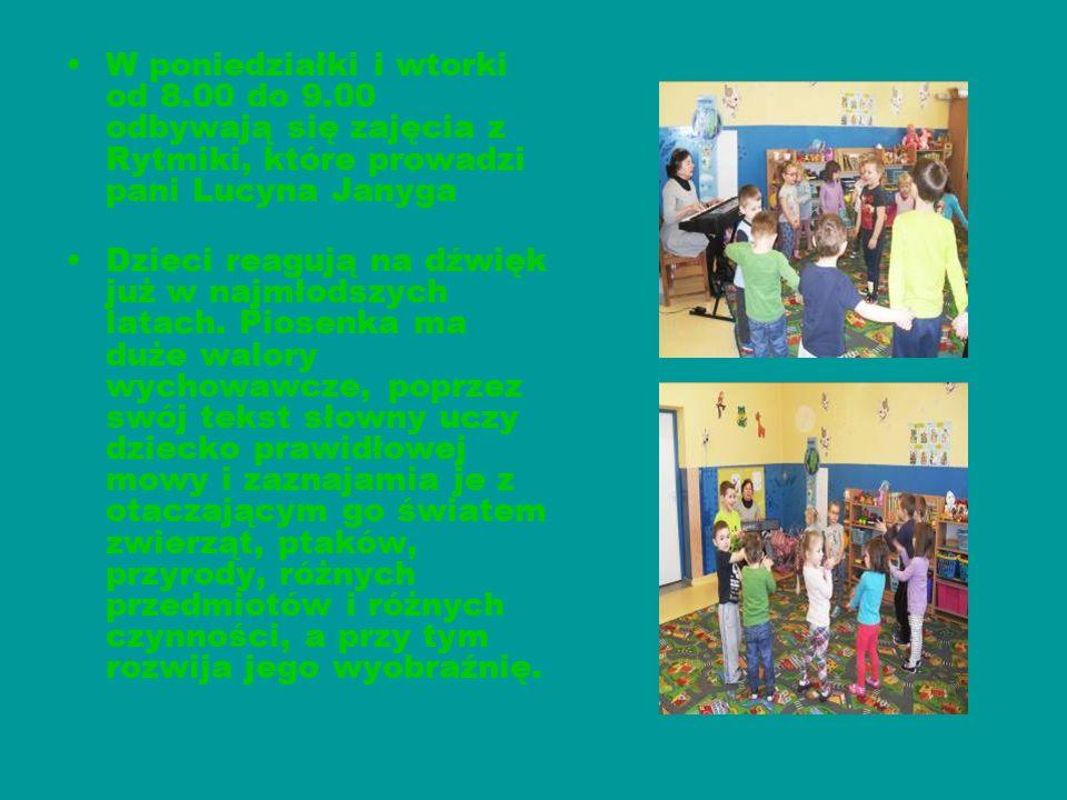 W poniedziałki i wtorki od 8.00 do 9.00 odbywają się zajęcia z Rytmiki, które prowadzi pani Lucyna Janyga Dzieci reagują na dźwięk już w najmłodszych latach.