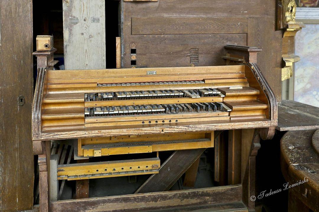 Prospekt organowy wykonano w 1798 r.